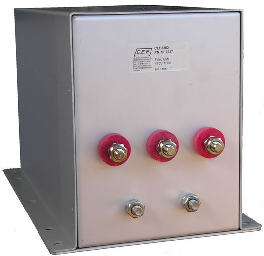Three-phase filter with MIL standards